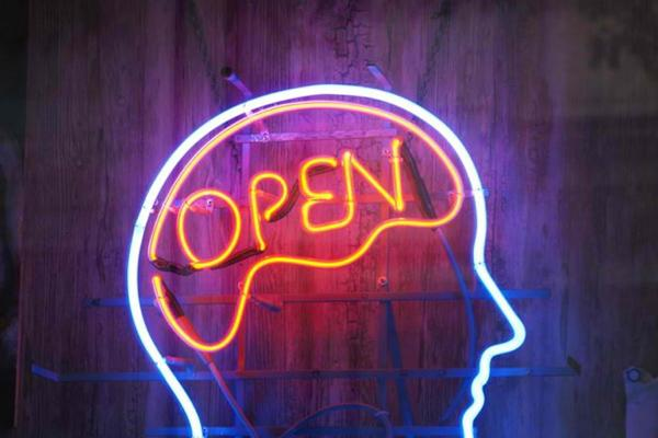 p4gz301tayopen_minded_neon_sign